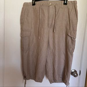Perry Ellis cargo cropped shorts Size 33